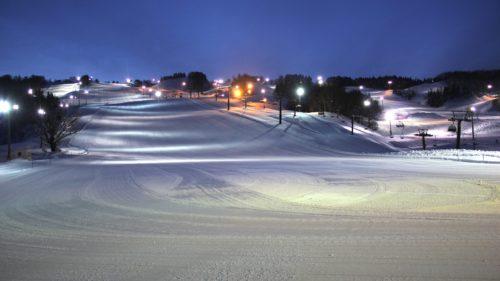 本格的なパーク施設と鳥海山麓の上質なパウダーの矢島スキー場がオープン!