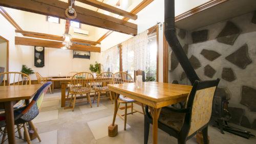 【冬のカフェ vol.1】Cafe Hanadate▷太い柱が印象的な一軒家のお店で地場産にこだわったメニューを