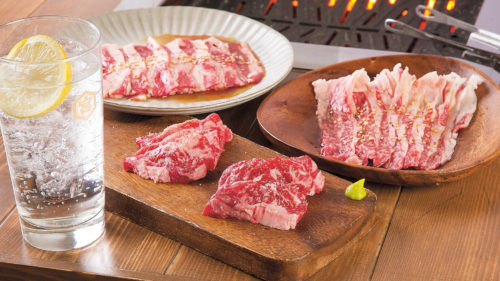 焼肉バル 牛黒▷深夜営業の焼肉バルが登場 こだわりのタレで味わえる
