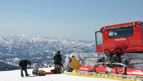 〈北秋田市〉森吉山ピステンツアー▷春山の景色を気軽に楽しめる
