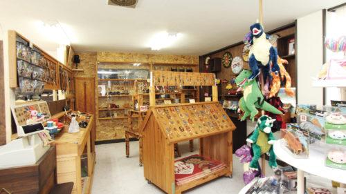 Leather work shop Buzz Gold▷人気レザーワークショップが新屋に移転 こだわりの革製品や雑貨など品揃え充実