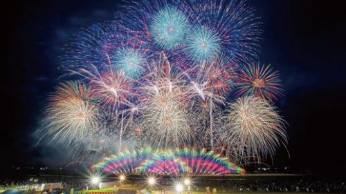 〈大仙市〉「大曲の花火」-春の章▷世界の花火と日本の花火の豪華競演