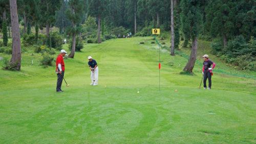 〈東成瀬村〉ジュネス栗駒 パークゴルフ場 ▷絶好のロケーションの中でプレーを