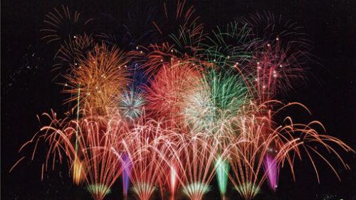 〈能代市〉2019 第17回港まつり 能代の花火▷壮大な規模の打ち上げ花火は必見