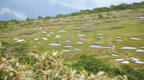 〈大館市〉田代岳▷例祭日は多くの登山客でにぎわう