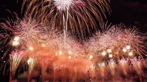 〈男鹿市〉第17回 男鹿日本海花火 ▷「もしもの世界」に誘う花火大会