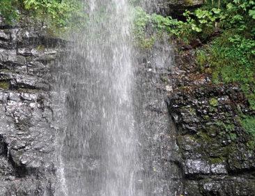 〈東成瀬村〉仙人修行35th▷不動滝での滝行は自由に見学OK