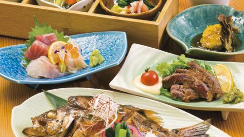 地魚料理・季節料理 食彩 酔蓮▷季節の食材を地酒と楽しめる和食処 肉も魚も味わえるお得なコースが人気