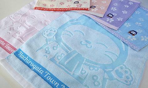 〈八郎潟町〉ニャンパチのハンカチ・おしぼりタオル発売中▷外出先&食卓のお手拭きが楽しく!