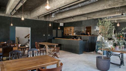 """TOMOSU CAFE▷地元を愛する若手経営者3人が """"わくわくを灯す""""カフェをオープン"""