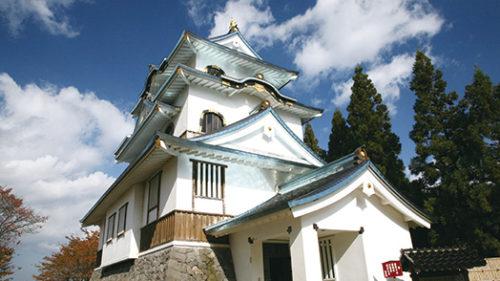 〈湯沢市〉稲庭城▷金箔張り職人が腕を振るった茶室