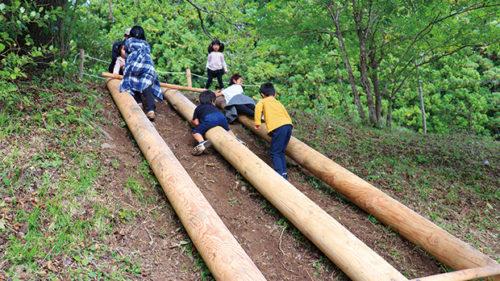 あゆの森公園▷木々に触れのびのびと遊ぼう