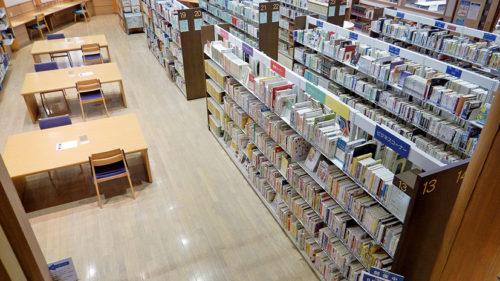 〈八郎潟町〉八郎潟町立図書館▷充実した空間で読書の秋を満喫してみては?