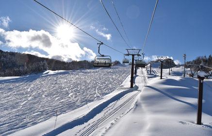 〈由利本荘市〉スノーモビルランド&矢島スキー場▷ウインタースポーツで冬を満喫