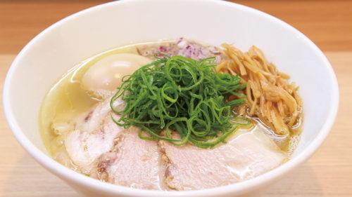 ラーメン シロクロ▷貝・いりこ・動物系のトリプルスープと特製ダレが決め手