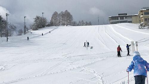 〈羽後町〉五輪坂スキー場▷スキー初心者の練習にピッタリ