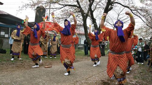 〈八郎潟町〉願人踊(がんにんおどり)▷軽妙に踊りと寸劇が繰り広げられる