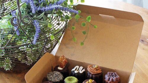 カヌレと焼き菓子 Lulu Clochette▷彩り豊かなフランスの伝統菓子 いま、話題のカヌレ専門店
