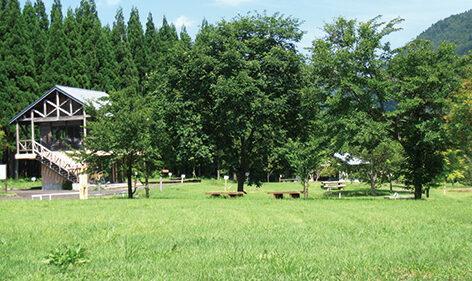 〈大館市〉五色湖キャンプ場▷五色湖キャンプ場で思い出づくりを