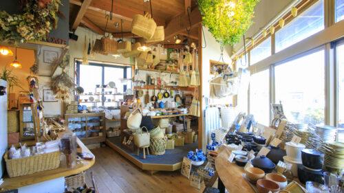 日常生活にときめきを! あきたタウン情報9月号は「暮らしのお店、ときどきカフェ」